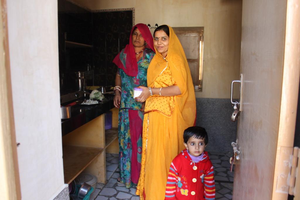 Sugan Kanwar en photo avec sa famille