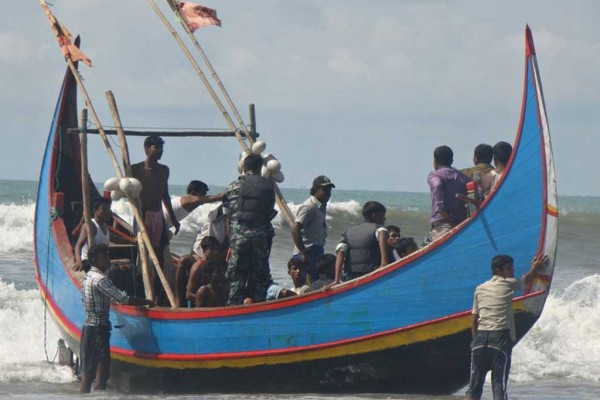 Photo d'un bateau transportant des migrants Rohingyas