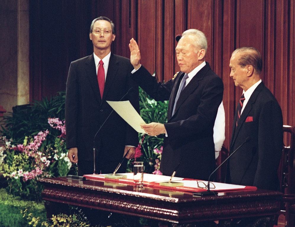 Lee Kuan Yew prête serment