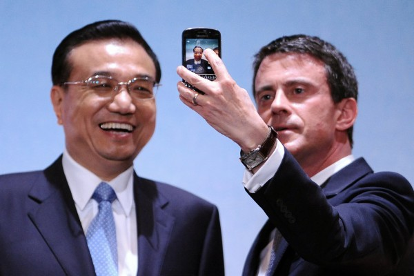 Photo de Li Keqiang et Manuel valls