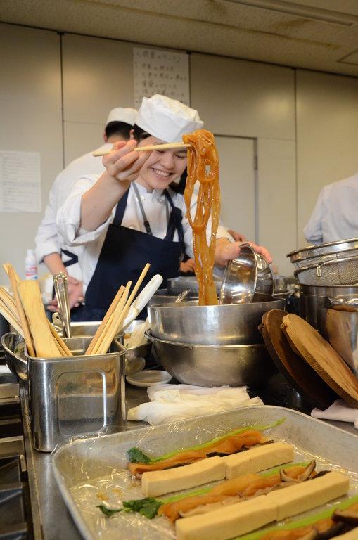 Tsuji l 39 excellence nippone asialyst - Cours de cuisine japonaise lyon ...