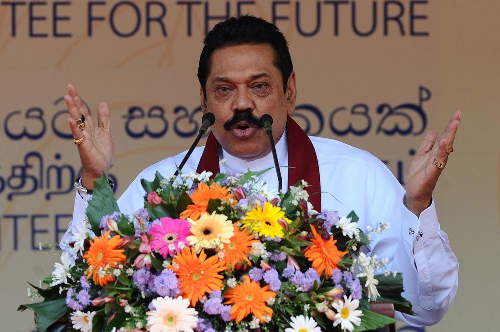 L'ancien président sri-lankais et candidat aux législatives, Mahinda Rajapakse lors du meeting de lancement de sa campagne électorale à Columbo le 28 juillet 2015