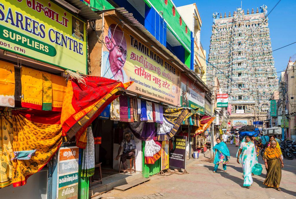 Dans les rues de Madurai près du temple dravidien de Sri Meenakshi, qui structure cette ville de l'Etat méridional du Tamil Nadu, le 15 janvier 2015. (Crédit : FRILET Patrick / hemis.fr / via AFP)