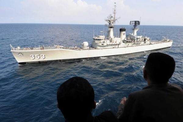 Des navire de guerre de la République d'Indonésie