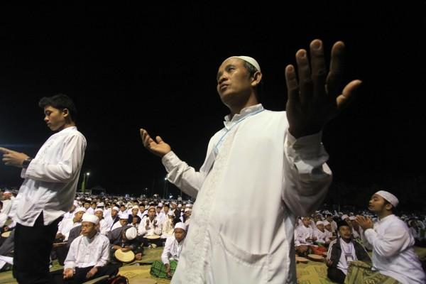 Le 10 août 2014, plus de 50 000 musulmans se sont rassemblés à Solo en Indonésie pour protester contre les attaques de Daech en Irak et en Syrie.