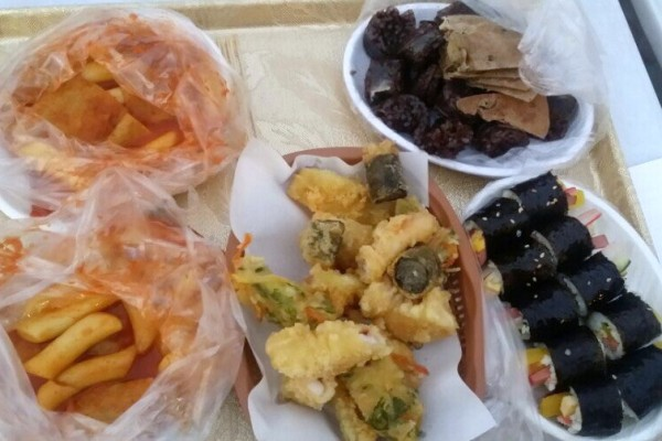 Kimbap, tteokbokki... la street-food est à l'honneur dans les pojangmacha.
