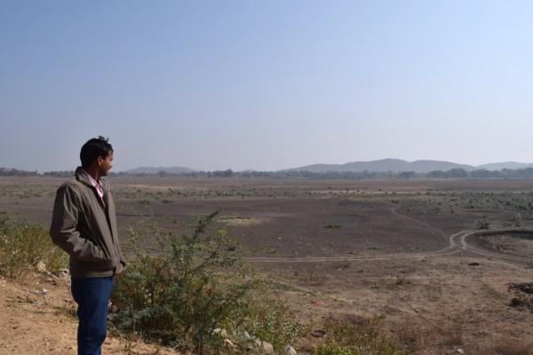 District de Tikhamgargh dans le centre de l'Inde : Ici se trouvait un lac qui alimentait les champs des alentours. Mais à cause des très faibles pluies des deux dernières années, il a disparu.