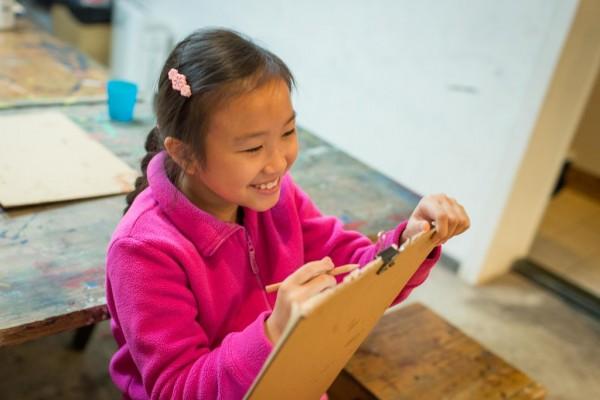 Une élève d'Atelier en plein cours.