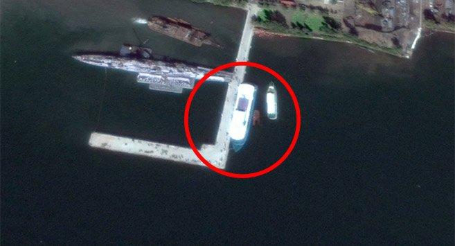 Un nouveau bateau de loisir de 50 m photographié par satellite pour la premiere fois au port de Nampo en Corée du Nord.