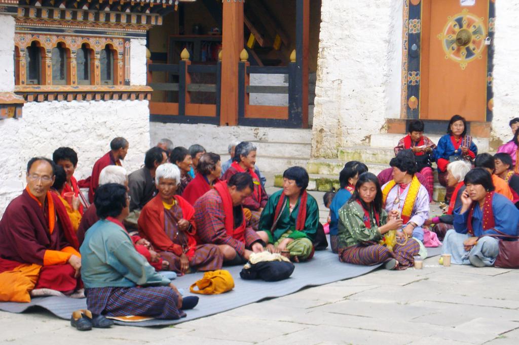 Les Dzong sont des lieux de culte et surtout de vie.