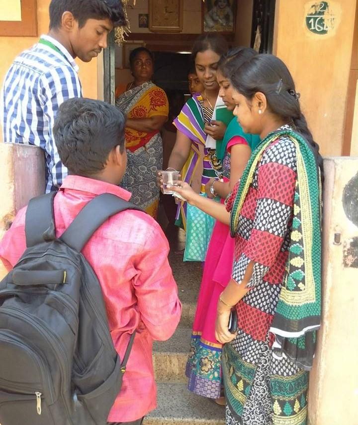 Campagne de sensibilisation dans le village d'Anna Nagar, près de Madurai dans le Tamil Nadu, le 22 mars 2015.