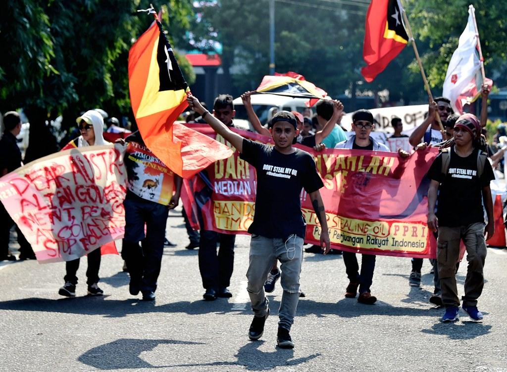 Des étudiants est-timorais vivant en Indonésie manifestent à Jakarta le 24 mars 2016 devant l'ambassade d'Australie