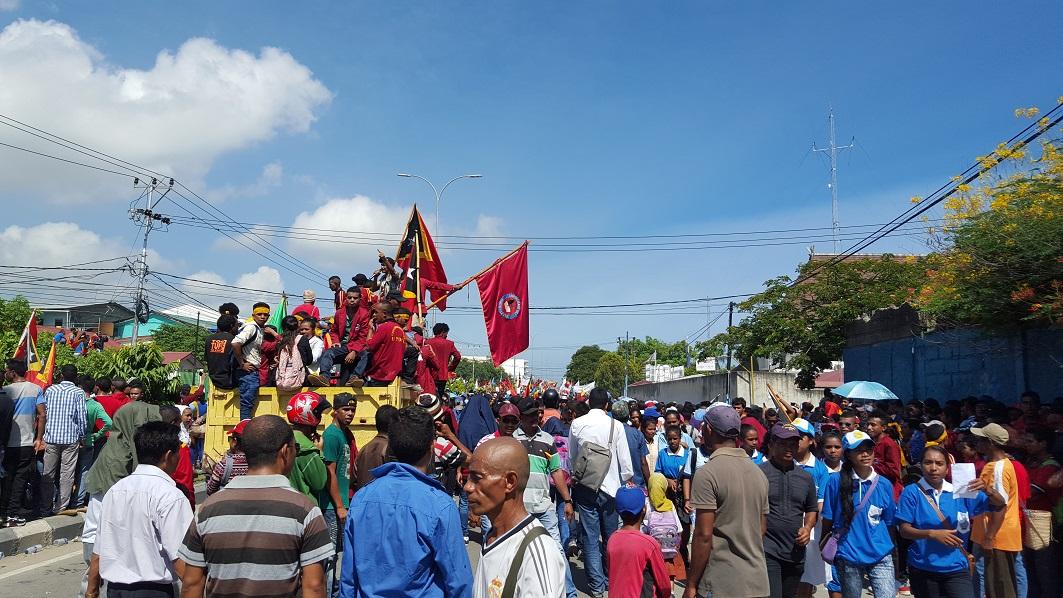 """Manifestation à Dili le 22 mars 2016 """"contre l'occupation de la mer de Timor"""" par l'Australie."""