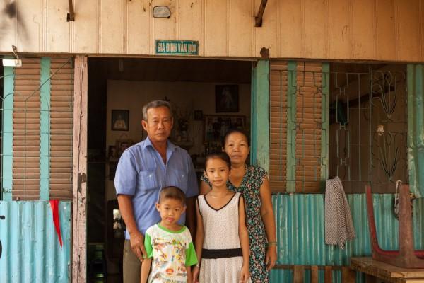 Võ Nguyèn Ngoc Dung et sa famille.