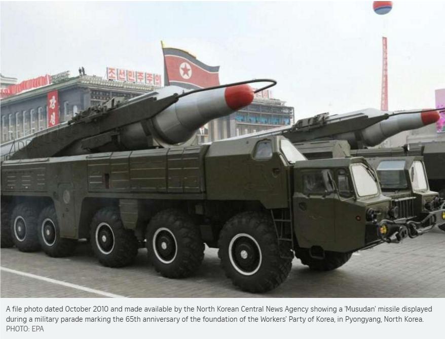 """Le lancement d'un missile de portée intermédiaire par Pyongyang ce vendredi 15 avril s'est soldé par un échec. Copie d'écran du """"Straits Times"""", le 15 avril 2016."""