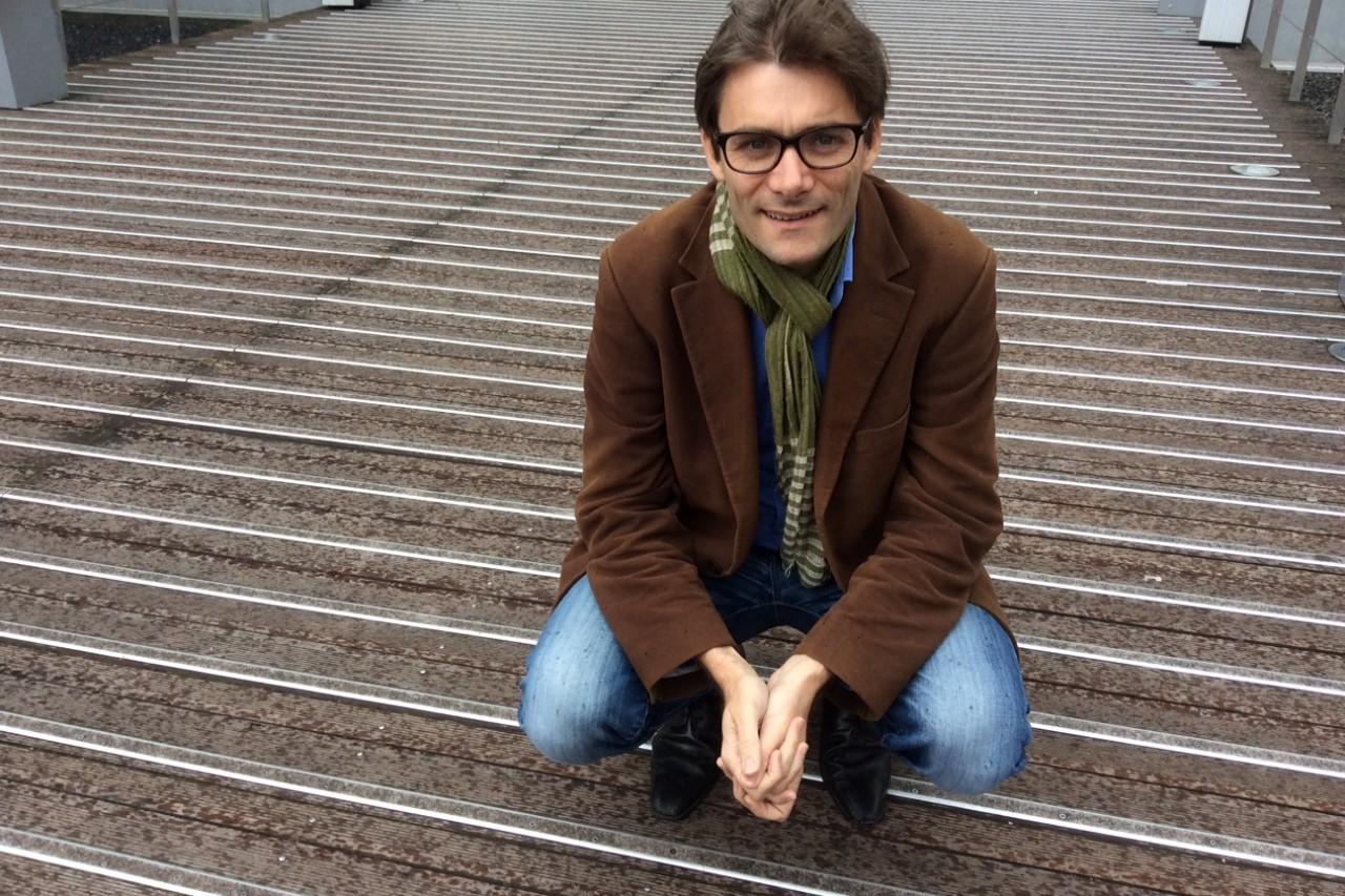 """Sébastien Falletti, journaliste et auteur du livre """"Corée du Sud : Le goût du miracle"""" aux éditions Nevicata."""