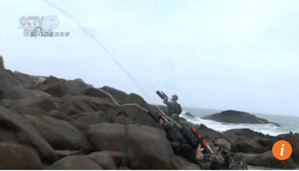 """Le 31ème groupe d'armées a mené un exercice d'atterrissage sur la côte du Fujian, lundi 16 mai. Copie d'écran du """"South China Morning Post"""", le 18 mai 2016"""