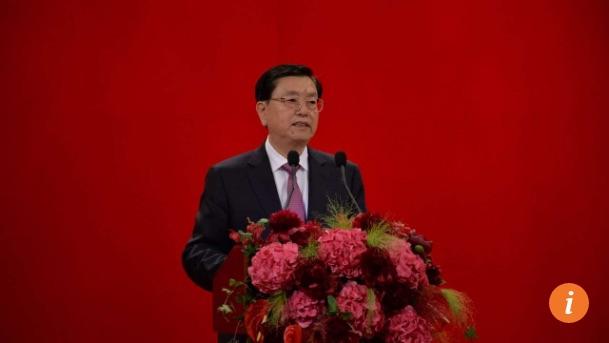 """Le président du Comité permanent de l'Assemblée nationale chinoise s'est exprimé mercredi 18 mai à Hong Kong. Copie d'écran du """"South China Morning Post"""", le 19 mai 2016."""