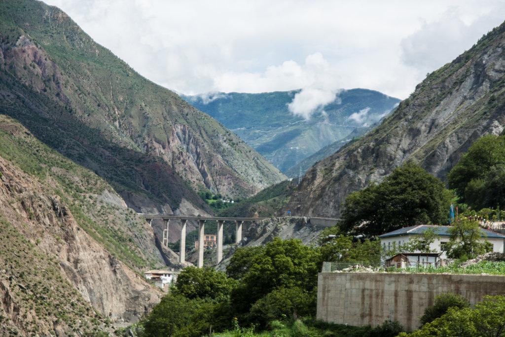 Dans la province du Yunnan en Chine, les infrastructures se multiplient.