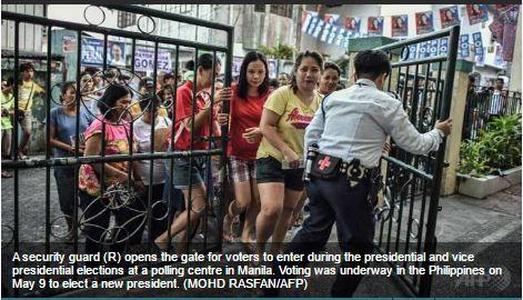 """De nombreux observateurs craignent que Rodrigo Duterte, surnommé le """"Trump philippin"""", ne plonge le pays dans une sombre période de dictature et de troubles. Copie d'écran du """"Channel News Asia"""", le 9 mai 2016."""