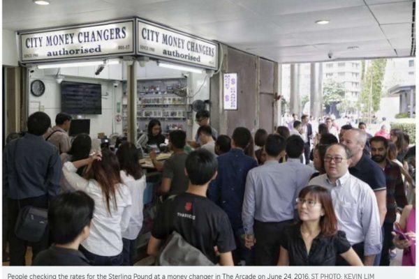 Les marchés asiatiques dégringolent à la suite des résultats du vote britannique. Copie d'écran du Straits Times, le 24 juin 2016.