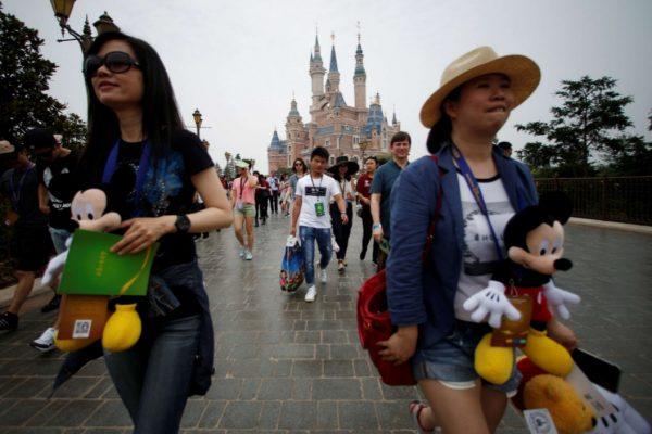 Après 5 ans de travaux, Disney ouvre son troisième parc d'attraction en Asie. Copie d'écran du South China Morning Post, le 16 juin 2016.