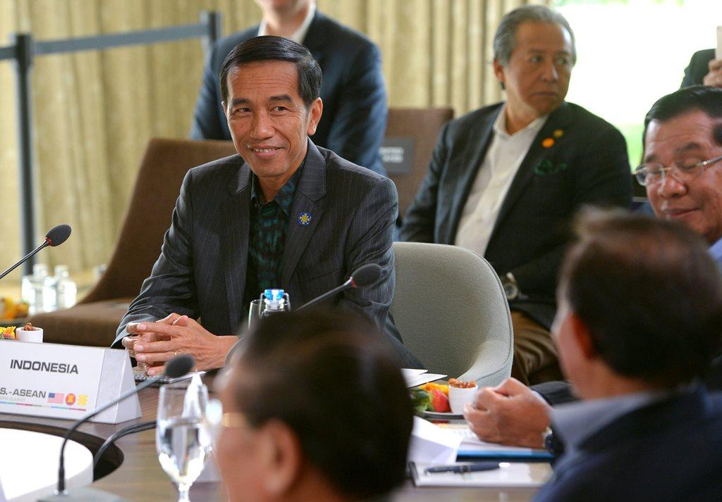Le président indonésien Joko Widodo lors d'une session plénière sur la sécurité en Asie-Pacifique présidée par son homologue américain Barack Obama, dans le cadre d'un sommet ASEAN-Etats-Unis au Sunnylands estate, le 16 février 2016, à Rancho Mirage en Californie.