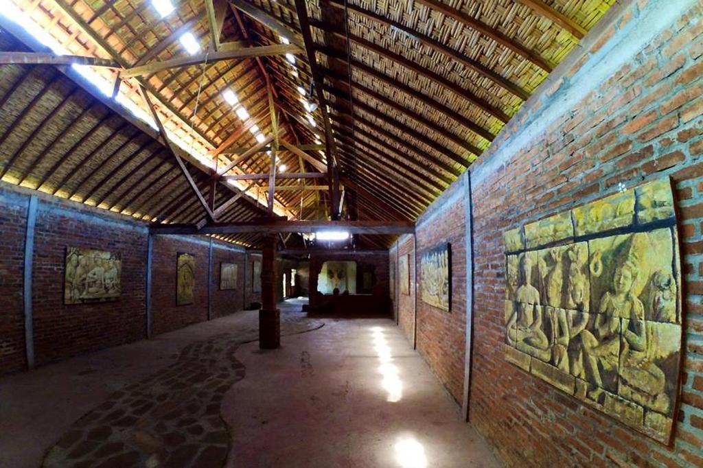 La galerie du peintre indonésien Sony Santosa à Bali.