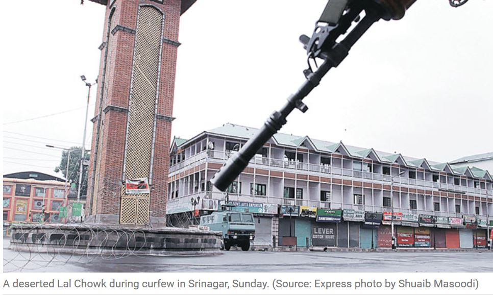 Le gouvernement du Jammu-et-Cachemire appelle les partis politiques et les séparatistes à l'aider à rétablir le calme après des émeutes qui ont fait 21 morts. Copie d'écran de The Indian Express, le 11 juillet 2016.