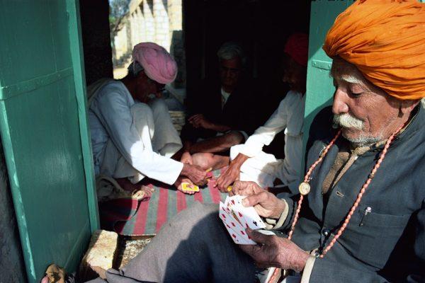 Joueurs de poker à Jaisalmer, dans l'Etat indien du Rajasthan.