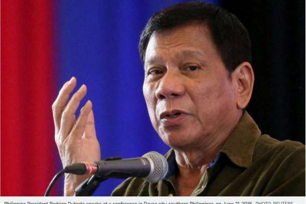 Duterte dit vouloir négocier avec la Chine le plus tôt possible pour décider de l'exploitation de la mer de Chine. Copie d'écran du Straits Times, le 8 juillet 2016.