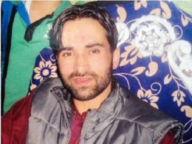 Mercredi soir, un jeune professeur âgé de 30 ans a été battu à mort par des soldats au Cachemire indien. Copie d'écran du Firstpost, le 19 août 2016.