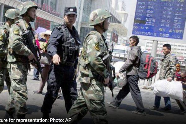 Le contrôle de Pékin sur les Ouïghours du Xinjiang s'accentue avec l'entrée en vigueur d'une nouvelle loi anti-terroriste. Copie d'écran d'India Today, le 2 août 2016.