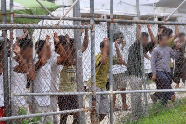 L'Australie va accueillir des réfugiés en provenance du camp de Manu Island dont la fermeture vient d'être annoncée. Copie d'écran du South China Morning Post, le 18 août 2016.
