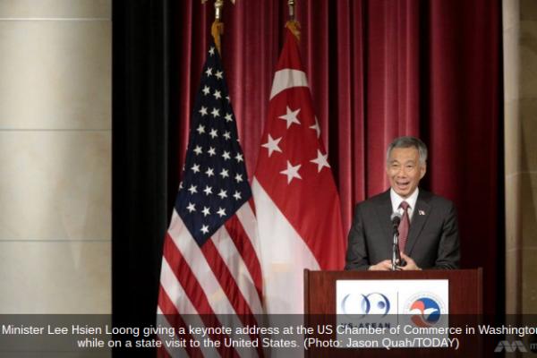 En visite officielle à Wahsington, Lee Hsien Loong a rappelé l'impact qu'aurait le TPP sur le commerce en Asie du Sud-Est et a demandé aux États-Unis de le ratifier au plus vite. Copie d'écran de Channel News Asia, le 2 août 2016.