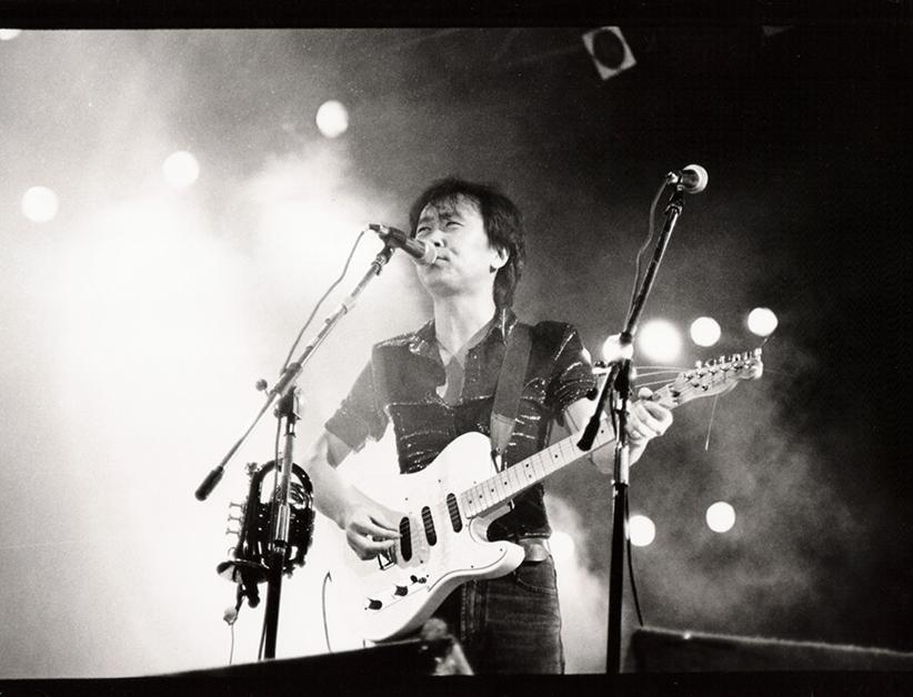 Cui Jian en concert en Chine à la fin des années 1980. (Crédits : Cui Jian official pictures)