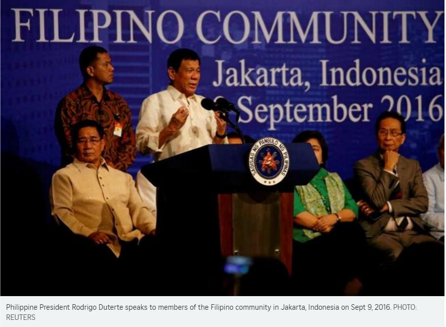 Rodrigo Duterte autorise les bateaux indonésiens à capturer les pirates présents dans les eaux philippines. Copie d'écran du Straits Times, le 9 septembre 2016.