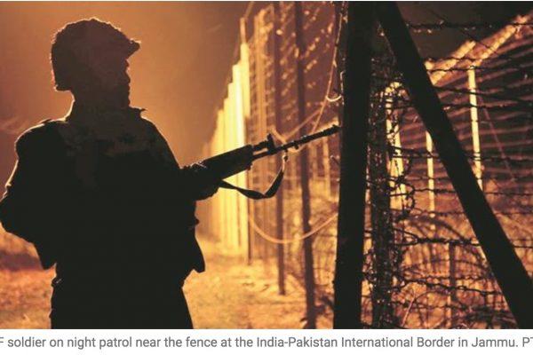 Six hommes ont attaqué un poste de police indien à la frontière avec le Pakistan, Copie d'écran du Indian Express, le 20 octobre 2016.