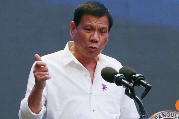 C'était inimaginable il y a quatre mois. Pourtant Rodrigo Duterte a mis de côté le contentieux en Mer de Chine du Sud avec Pékin et se rend en Chine pour la première fois depuis le début de son mandat. Copie d'écran du Global Times, le 18 octobre 2016.