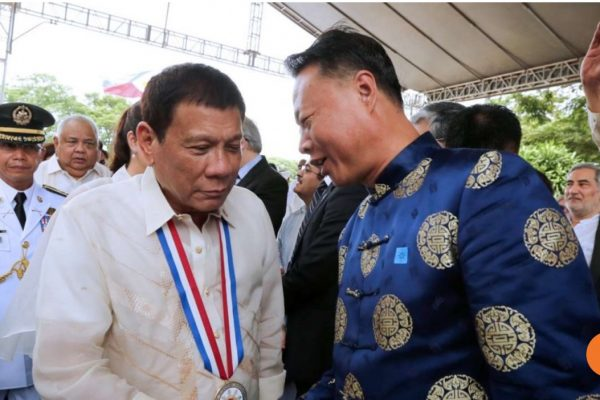 250 personnes devraient se joindre à Duterte pour son voyage à Pékin où il doit rencontrer des membres du gouvernement et des hommes d'affaire chinois. Copie d'écran du South China Morning Post, le 12 octobre 2016.