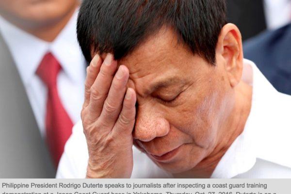 Alors qu'il rentrait du Japon, Duterte est convaincu d'avoir entendu Dieu le menacer : s'il n'arrêtait pas de lancer des insultes, l'avion dans lequel il était assis s'écraserait. Copie d'écran du Philippine Star, le 28 octobre 2016.