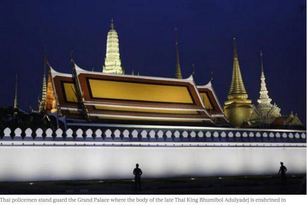 Le gouvernement thaïlandais a décidé de contrôler les publications de ses expatriés sur les réseaux sociaux, mais ne dispose d'aucun recours juridique en cas de critique la monarchie. Copie d'écran du Jakarta Post, le 19 octobre 2016.
