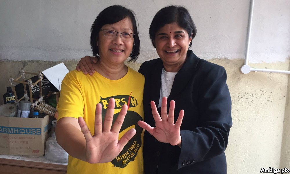 En Malaisie, la secrétaire du mouvement de la société civile Bersih a été libérée lundi 28 novembre 2016, après 10 jours de détention. (Crédits : Ambiga Pix)