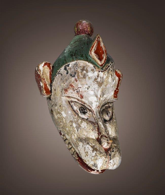 L'un des masques Rajbanchi, tirés du classique indien Ramayana, exposés du 13 au 30 janvier 2017 à Paris, à la mairie du VIème arrondissement.