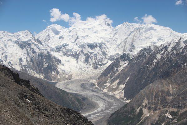 Le glacier Miar dans la vallée d'Hopar, dans la province du Gilgit-Baltistan au sud du Pakistan.