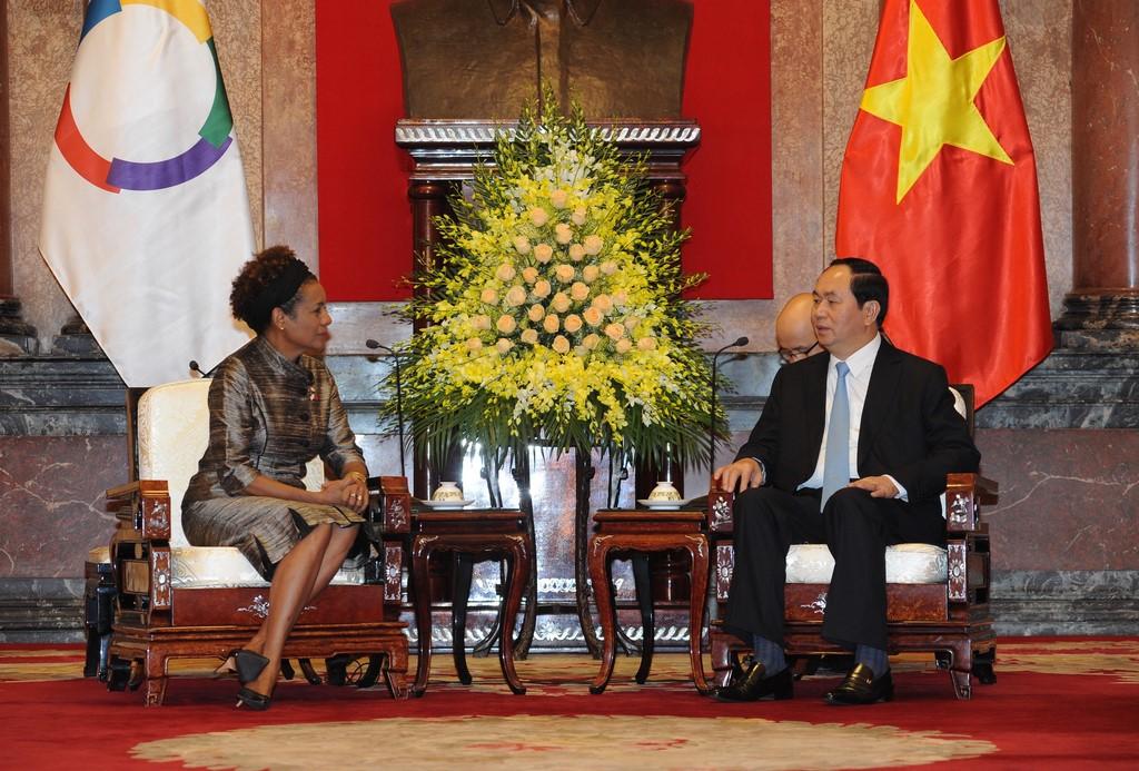 La secrétaire générale de l'Organisation internationale de la Francophonie, Michaëlle Jean avec le président du Vietnam, Trần Đại Quang, qui se rendra au XVIème sommet de la Francophonie à Madagascar.