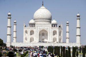 Le Taj Mahal, érigé par Shah Jahan, l'empereur moghol d'Inde à Agra, ici le 2 mai 2014. (Crédits : Mohamed Hossam / Anadolu Agency)