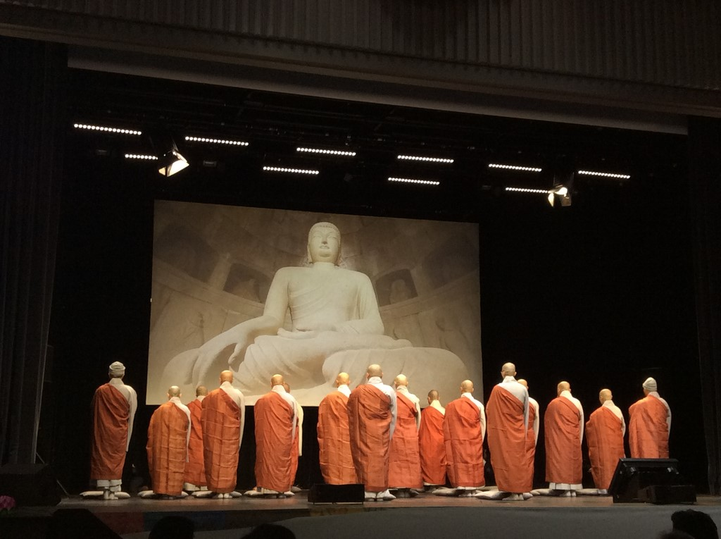 Cérémonie Yebul d'hommage au Bouddha, par les moines de l'ordre Jogye de passage à Paris. (Copyright : Stéphane Lagarde)