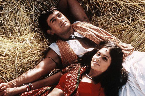"""Extrait du film indien """"Lagaan"""" (2001) réalisé par Ashutosh Gowariker, avec Aamir Khan et Gracy Singh. (Credits : Aamir Khan Productions / The Kobal Collection / Singh Sachdev, Hardeep / via AFP)"""