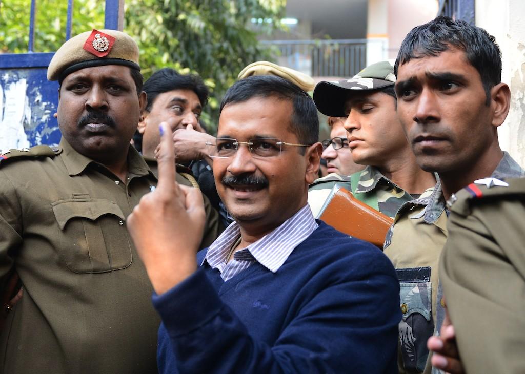 Arvind Kejriwal, président de l'Aam Adami Party (AAP), le jour du l'élection du ministre-en-chef de l'Etat de Delhi, qu'il remporte largement, le 7 février 2015. (Crédits : Stringer / Anadolu Agency / via AFP)